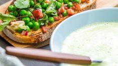 Grønn ertesuppe med ertesalat Kefir, Diy Food, Bon Appetit, Avocado Toast, Vegetable Pizza, Mashed Potatoes, Bacon, Recipies, Food And Drink