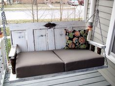 DIY Porch Swing Made from Old Doors and tutorial Diy Furniture, Outdoor Furniture, Outdoor Decor, Furniture Movers, Furniture Removal, Furniture Stores, Rideaux Design, Mesa Exterior, Swing Design