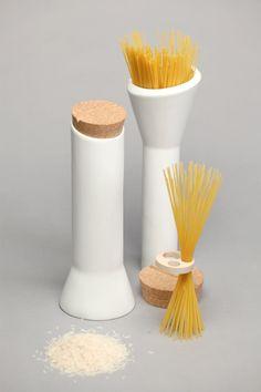 Pacchery Family, due accessori per la cucina onorano la tradizione campana domani in mostra al Source Festival di Firenze le porcellane del giovane designer Francesco Pace