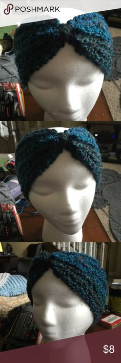 Turban Style Chunk Headband // Earwarmer Chunky style headband to keep your ears warm and your messy bun in plain view. 901 by Stacey Accessories Hats