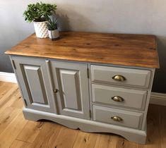 24 Incredible Upcycle Sideboard Ideas : All Time Best upcycle sideboard Ideas. Reclaimed Furniture, Refurbished Furniture, Recycled Furniture, Painted Furniture, Furniture Vintage, Industrial Furniture, Vintage Industrial, Industrial Style, Modern Furniture