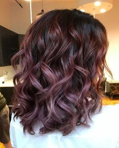 While Halloween around the corner means that chocoholics can tuck into tempting treats without guilt, there's also a less calorific way to embrace this sweet substance. For Fall 2016, chocolate mauve hair is the latest autumnal tone to make a splash