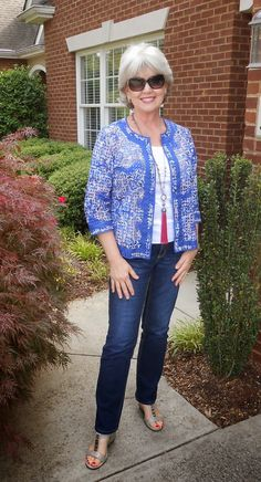 Fifty, not Frumpy: Wear It Wednesday - Size Matters!