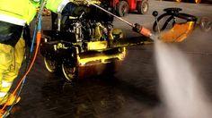 Hochdruckwasserstrahlen Baumaschinen reinigen mit Wasser ohne Sand http://www.ito-germany.de/gebraucht/pumpen/falch #baumaschinen #reinigen #hochdruckwasserstrahlen #heavyequipment #video