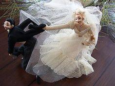 VINTAGE-KLUMPE-ROLDAN-BRIDE-GROOM-DOLL-WEDDING-CAKE-TOPPER