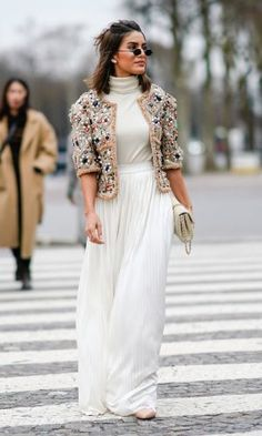 Camila Coelho wears a Chanel jacket a white dress a Chanel bag outside Chanel during Paris Fashion Week Haute Couture Spring/Summer 2018 on January. Cool Street Fashion, Look Fashion, Fashion Outfits, Fashion Trends, Fashion Ideas, Looks Street Style, Spring Street Style, Fashion Week Paris, Couture Week