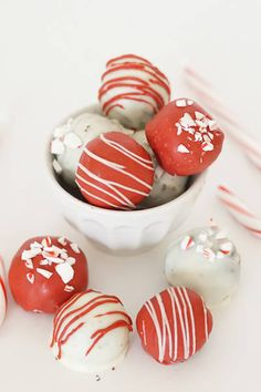 Recipe: Holiday Oreo Truffles. Your ultimate guide to throwing the chicest holiday party.