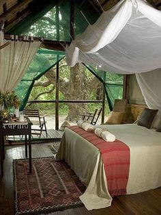 Relaxing retreat for the end of each day... just what a bedroom should be.