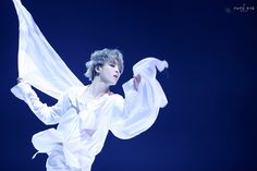 """[I Need U Solo Dance Analysis Thread] Jimin pulled off an exquisite solo contemporary performance at the 2019 MMAs, stunning the audience and anyone watching at home. Let's dive into what made this piece extraordinary. HINT: It's Jimin. Boy Scouts, Jikook, Bts Jimin, K Pop, I Need U Bts, Mma 2019, Fanart, Wattpad, Foto Bts"