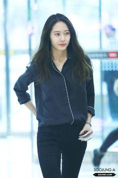 Official Korean Fashion : Airport Fashion: F(x) Krystal Korea Fashion, Fashion Line, Asian Fashion, Airport Fashion, Krystal Fx, Jessica & Krystal, Jessica Jung, Girl's Generation, Krystal Jung Fashion