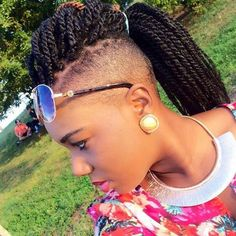 Kinky Twists Braided Mohawk Updo Hairstyle for Black Women Box Braids Hairstyles, Lemonade Braids Hairstyles, Twist Hairstyles, Fall Hairstyles, Shaved Hairstyles, Dreadlock Hairstyles, Hairstyles 2018, Updo Hairstyle, Kinky Curly Hair