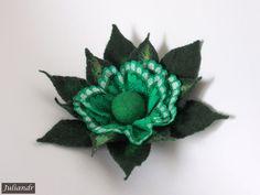 HAND FELTED WOOLLEN ART WEAR - Green star brooch Felt Flowers, Heaven, Brooch, Stars, Abstract, Lace, Green, How To Wear, Color