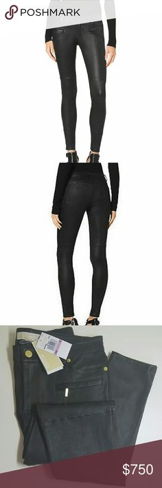 """REDUCED!!!🔥 MK 🔥 Black Leather Skinny Pant Made of soft, buttery, smooth and beautiful STRETCH leather. These hug perfectly in all the right places. A true eyecatcher, yet still comfortable. Definitely a must have staple in any wardrobe!! These are completely SOLD OUT online and in stores!!  Stretch Black real lambskin leather Low rise Fitted through and a skinny leg Accent seam just above the knee Cropped at ankle 30"""" inseam Four-pocket style with front zip pockets 2 coin pockets Two…"""