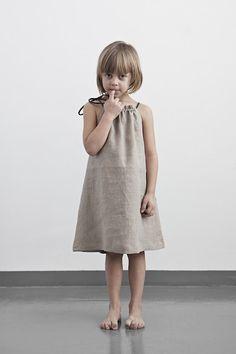Ideas haircut bob kids bangs for 2019 Little Girl Dresses, Girls Dresses, Emma Clothing, Balloon Dress, Denim Look, Cool Kids Clothes, Kids Fashion, Fashion Design, Style Fashion