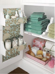 Over 1765 people liked this! Like the racks on the inside of the door Bathroom Storage Ideas for Small Spaces - Corbels as Shelving Dividers - Click Pic for 42 DIY Bathroom Organization Ideas Diy Bathroom Storage, Home Organization, Linen Closet, Household, Diy Storage, Guest Bath, Organization Hacks, Sweet Home, Home Diy