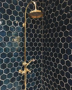 21 Bathroom Remodel Ideas [The Latest Modern Design] Bathroom remodel - A collection of amazing kitchen remodeling ideas. Renovation with modern design, unique, simple, etc. Honeycomb Tile, Honeycomb Pattern, Marble Pattern, Bathroom Inspiration, Bathroom Ideas, Design Bathroom, Green Bathroom Tiles, Black And Gold Bathroom, Navy Bathroom