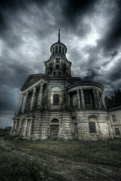 Gothic...I could make this my home<3  Micoleys picks for #StrangeBuildings  www.Micoley.com