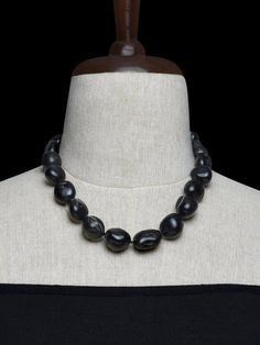 Black Handcrafted Agate Stones Necklace
