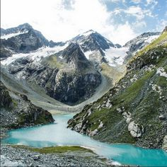 Manoj Treks up Lake Tulian in #Pahalgam