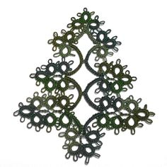 Tatted Christmas Tree ornament Pattern (free)