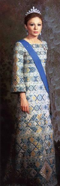 Empress Farah wearing a gown made of traditional Persian geometric patterns as seen in persian art and architecture.