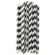 Stylishly enjoy refreshing drinks with the black and white striped paper straws from the Miss Étoile collection of vintage inspired home goods. Sold as pack of 25 pieces.