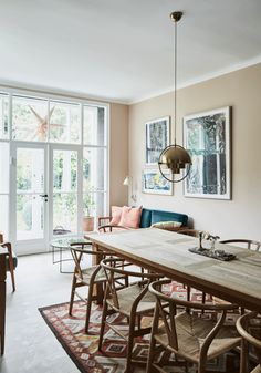 12 Kitchens & Dining Rooms Made Cozy With Kilims - Design Milk Interior Design Living Room, Living Room Designs, Living Room Decor, Living Spaces, Dining Room Inspiration, Interior Inspiration, Gravity Home, Cozy House, Home And Living