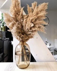 Dried Flower Bouquet, Dried Flowers, New Kitchen Doors, Grass Decor, Butterfly Wall Decor, Home Grown Vegetables, Diy Porch, Piece A Vivre, Scandinavian Home