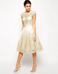 Кружевное платье миди для выпускного с вырезом лодочкой Chi Chi London Premium