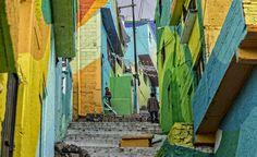 Messico, street artist e cittadini colorano il quartiere sulla collina