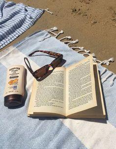 Beach Aesthetic, Book Aesthetic, Summer Aesthetic, Aesthetic Pictures, Aesthetic Fashion, Photo Summer, Summer Photos, Summer Feeling, Summer Vibes