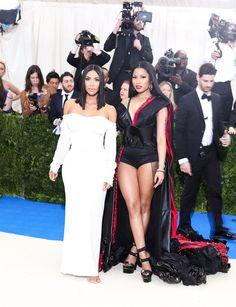 Pictured: Kim Kardashian and Nicki Minaj Beyonce Nicki Minaj, Nicki Minaj Barbie, Girl Celebrities, Celebs, Nicki Minaj Wallpaper, Nicki Minaj Pictures, Jenner Style, Kardashian Jenner, Star Fashion