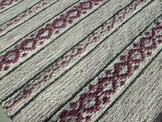 My hobby: Rag rugs Weaving Projects, Weaving Techniques, Rag Rugs, Loom, Bohemian Rug, How To Make, Inspiration, Beautiful, Macrame