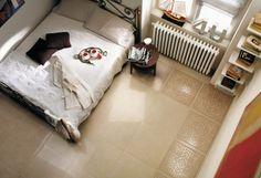 Cream+white+bedroom+floor+tile+border