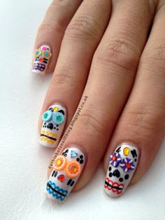 I don't really like skulls but I think this is very smart Mexican Sugar Skulls Nails
