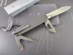 Soldiers Knives And Swiss Army On Pinterest