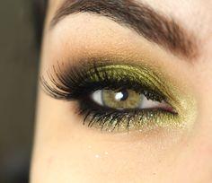 Maquiagem com a sombra verde limão Lucky Green da MAC