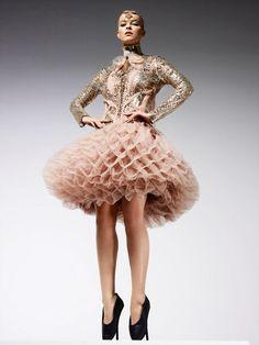 Top Model Poland 3, sesja w stylu haute couture: Zuzanna Kołodziejczyk, fot. Ram Shergill