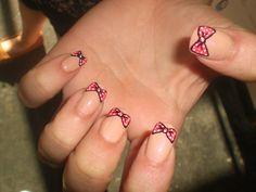 Polka-Dot Bow Nails