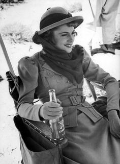 Joan Fontaine relaxing on the set of GUNGA DIN