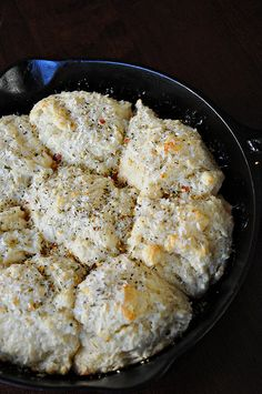 These goat cheese drop biscuits blew my mind. I never knew drop biscuits could taste this good! Drop Biscuits, Cheese Biscuits, Oatmeal Biscuits, Easy Biscuits, Cinnamon Biscuits, Fluffy Biscuits, Homemade Biscuits, Goat Cheese Recipes, Breads