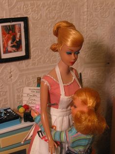 Barbie and Skipper in the Deluxe REading Kitchen.