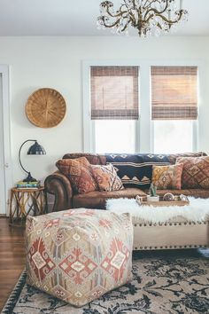 TAJ HOTEL - Vintage living room - bohemian style - homedecor - colors - TAJ.