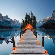 This must be heaven.. Definetly need to go. Maligne Lake, Alberta, Canada