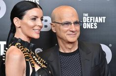 """Jimmy Iovine On Music Streaming Serivces: """"They're Not Making Any Money"""" Jimmy Iovine explains some of the problems that the world of streaming music faces. https://www.hotnewhiphop.com/jimmy-iovine-on-music-streaming-seriv... http://drwong.live/article/jimmy-iovine-on-music-streaming-serivces-theyre-not-making-any-money-news-40350-html/"""