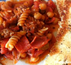 Sausage pepperoni skillet is an easy Italian meal that is pure comfort food. Great for any weeknight and your family will love this dish. Easy Corn Casserole, Hamburger Casserole, Hamburger Meat Recipes, Casserole Recipes, Beef Recipes, Chicken Recipes, Cooking Recipes, Cabbage Casserole, Cooking