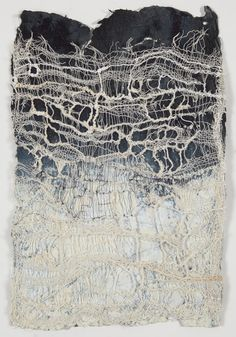Artist Jennifer Davies is inspired by the Japanese paper and textile art tradition. Her work is characterized by naturalness, simplicity in color use and strong materiality. Textile Fiber Art, Textile Artists, Textiles Techniques, Art Techniques, A Level Textiles, Fabric Manipulation, Mark Making, Fabric Art, Mixed Media Art