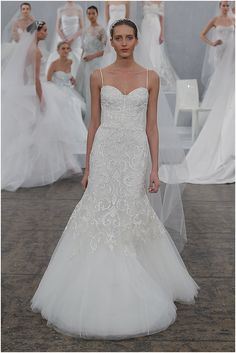 fitted wedding dress with spagetti straps