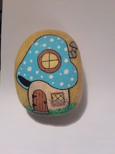 Pin by diane fisk on painted rocks Seashell Painting, Pebble Painting, Pebble Art, Stone Painting, Rock Painting Ideas Easy, Rock Painting Designs, Stone Crafts, Rock Crafts, Hobbies And Crafts