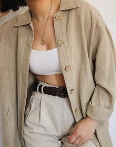 Vintage Linen Oversized Light Jacket with Wood Button Detailing - Jackets Outfit Vintage, Vintage Jacket, Looks Style, Looks Cool, Mode Outfits, Fashion Outfits, Jackets Fashion, Linen Jackets, Denim Jackets